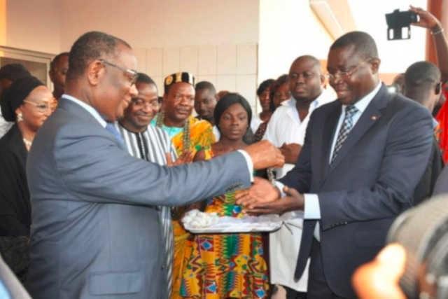 e PM togolais Selom Komi Klassou (g) | Photo : DR